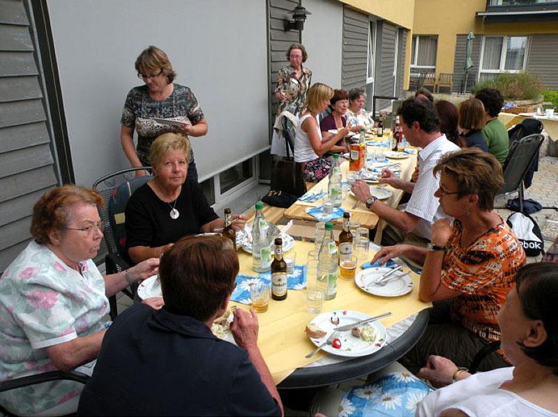 mitarbeiter sozialer dienst altenheim